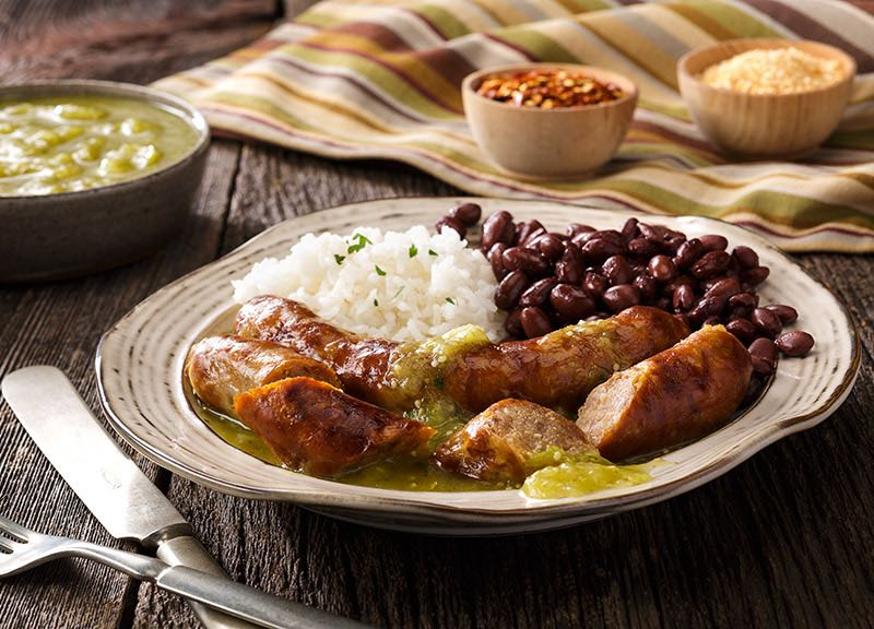 Grilled Sausages in Green Salsa